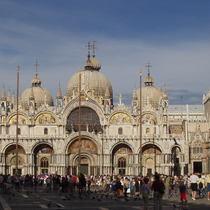 ベネチア午後市内観光とゴンドラ遊覧