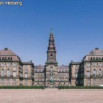 クリスチャンスボー城&人魚の像&アメリエンボー宮殿の衛兵交代 午前観光 コペンハーゲン・カード付