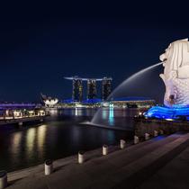 煌めき!シンガポールの夜景と2階建てオープンバス観光