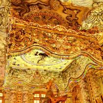「19世紀から20世紀にかけてベトナムに存在していた阮朝の首都フエ遺産」フエ帝廟巡り 午前半日ツアー(フエ/ダナン/ホイアン発)