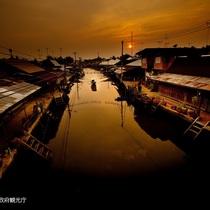 夜の水上マーケット観光