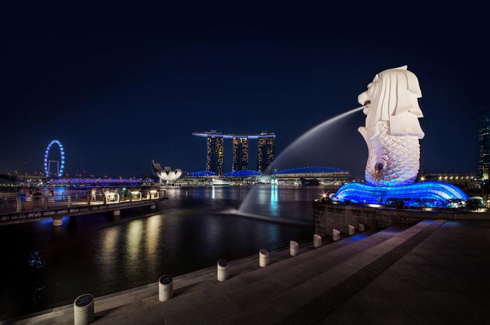 煌めき! シンガポールの夜景と2階建てオープンバス観光