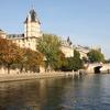 ルーブル美術館とノートルダム大聖堂ガイド...の写真