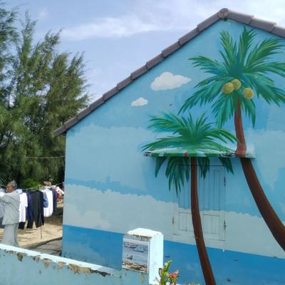 話題のフォトジェニックな壁画村 + ホイ...の写真