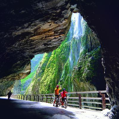 花蓮タロコ大理石峡谷観光の写真
