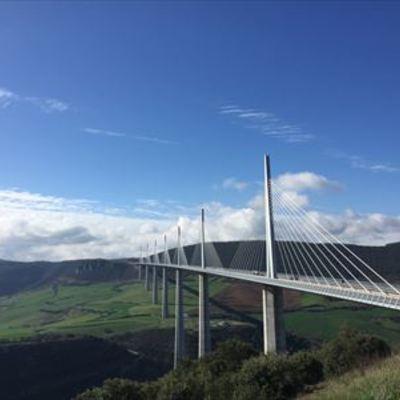 貸切 専用車 絶景高さ世界一のミヨー橋と...の写真