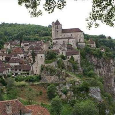専用車で行く フランス人が好きな村サン・...の写真