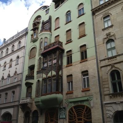 ブダペストのペスト地区 午後散策 Aコー...の写真
