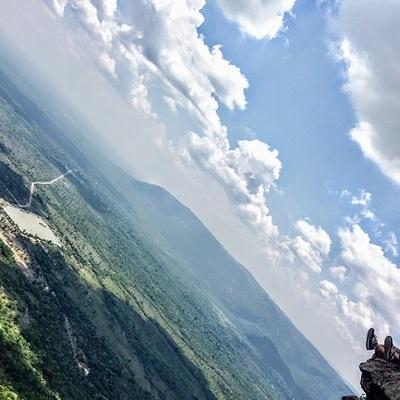 目の前に見える地平線は一生の思い出 断崖...の写真