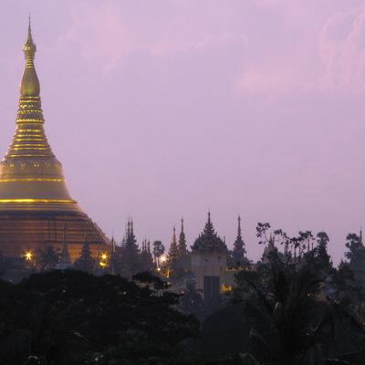 ヤンゴン環状線をぐるっと1周♪ ヤンゴン...の写真