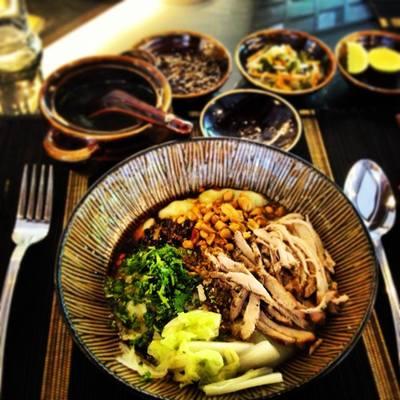 夜のシュエダゴン・パゴダ観光&シャン料理...の写真