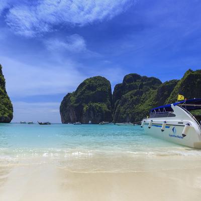 ピピ諸島 (マヤベイ + バンブー島) ...の写真