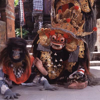 ウブド観光とウルワツ寺院絶景サンセットと...の写真