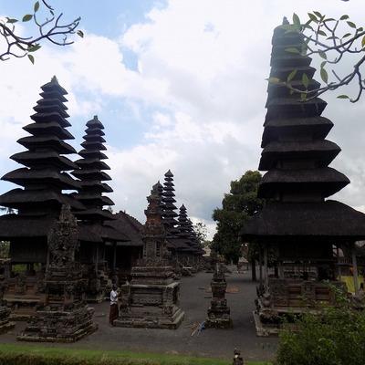 世界遺産タマンアユン寺院とタナロット寺院...の写真