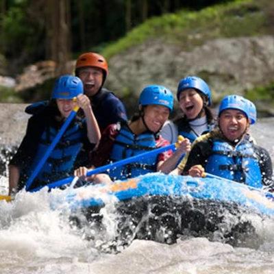 大自然の中を進め!アユン川でラフティングの写真