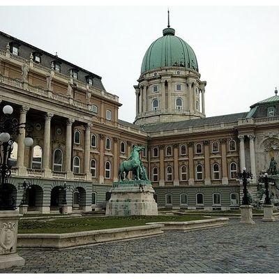 ブダペスト王宮の丘 午前ウォーキングツア...の写真
