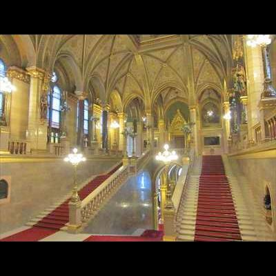 国会議事堂へようこそ! 日本語ガイドがご...の写真
