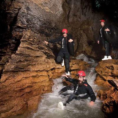 ワイトモ洞窟 ブラックウォーターラフティ...の写真