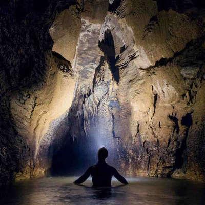 ワイトモ洞窟 ウォーターラフティング&ケ...の写真