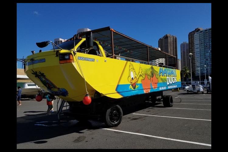 水陸両用車ダックツアー (チャイナタウン...の写真