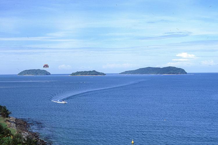 2島めぐりとBBQランチ (サビ島とマヌ...の写真