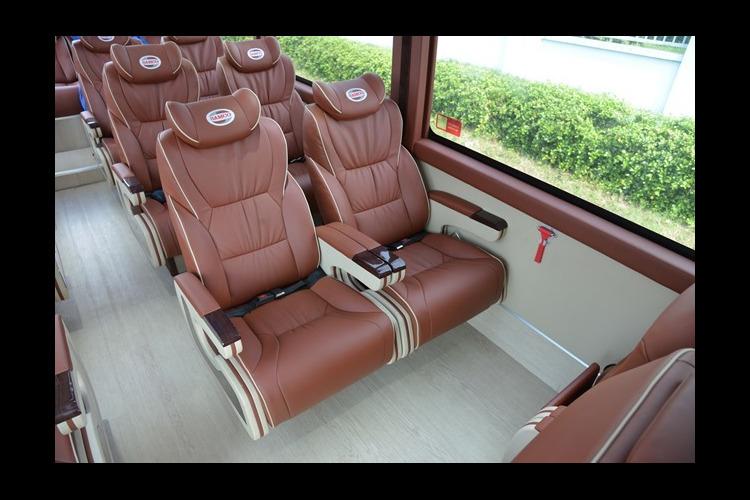 ラグジュアリーバスで巡る半日ホーチミン市...の写真