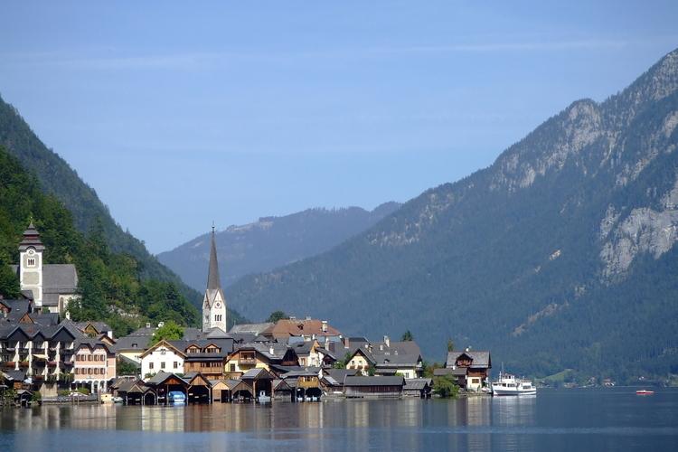 往復送迎 ハルシュタット~世界遺産・湖面...の写真