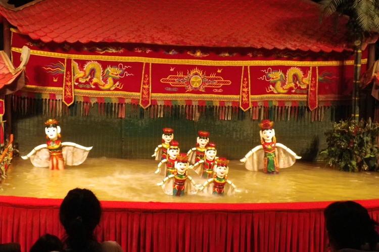 ハノイ 水上人形劇とベトナム料理のディナ...の写真