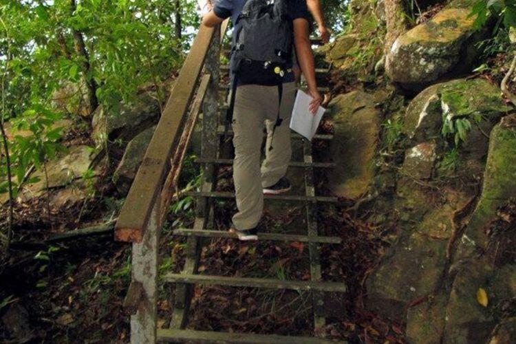 ガヤ島トレッキングとシュノーケルの写真