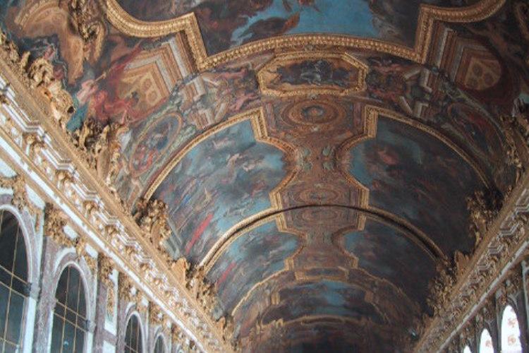 ベルサイユ宮殿 午前往復シャトルバス(入...の写真