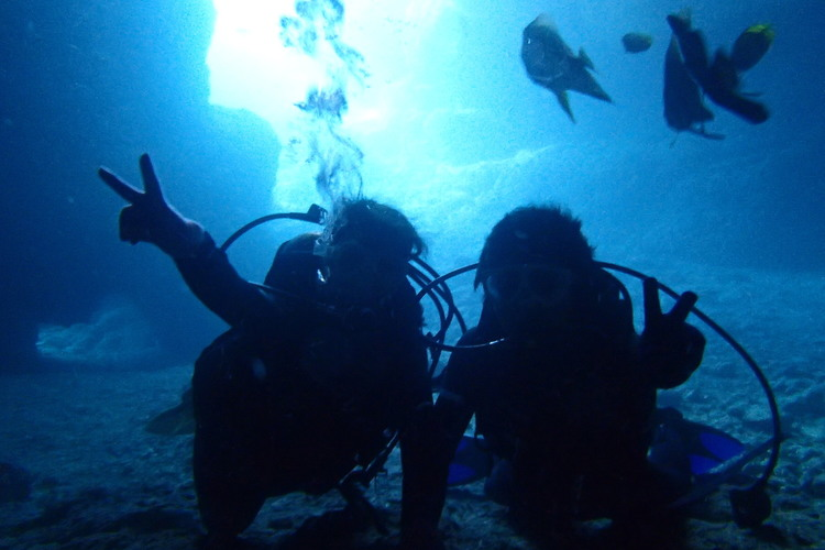 初めてでも安心! 青の洞窟体験ダイビング...の写真