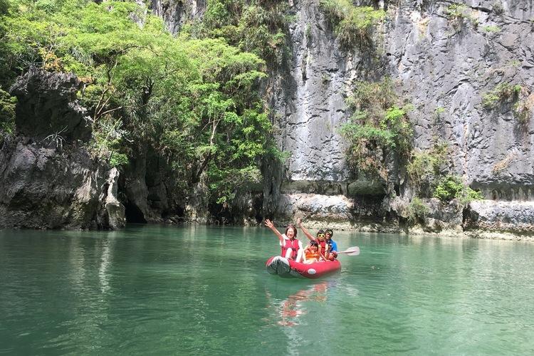 絶景ラグーンやコウモリ洞窟をシーカヌーで...の写真