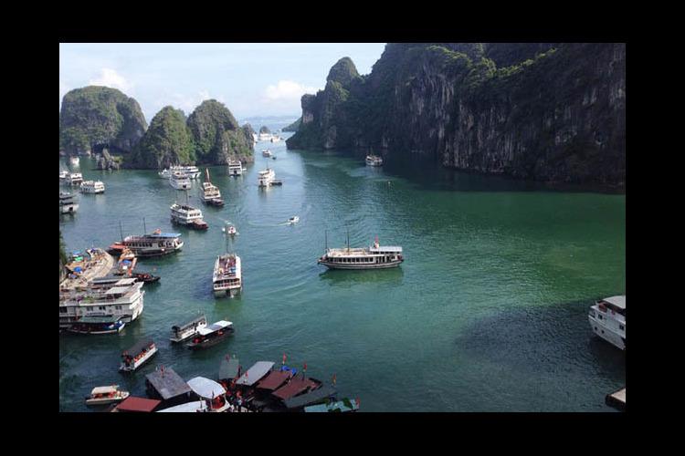貸切 世界遺産 ハロン湾 + ベトナム北...の写真