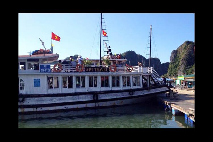 「ハノイが誇る世界遺産」 ハロン湾クルー...の写真