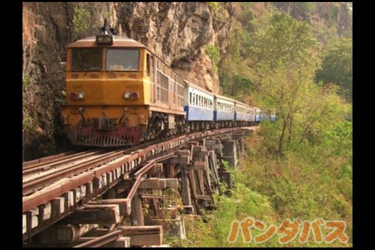 カンチャナブリ体験♪情緒溢れる泰麺鉄道の...の写真