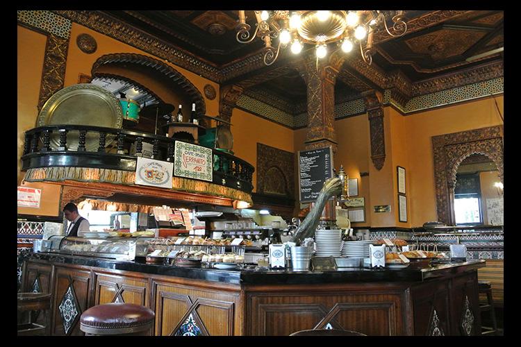旧市街バル巡り バル天国ビルバオ。地元で...の写真