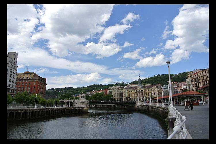 旧市街 + 地元ガイドおすすめのバル ウ...の写真