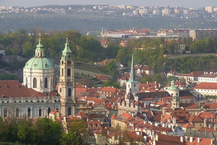 鉄道で行くプラハ1日観光 世界遺産を巡る...の写真