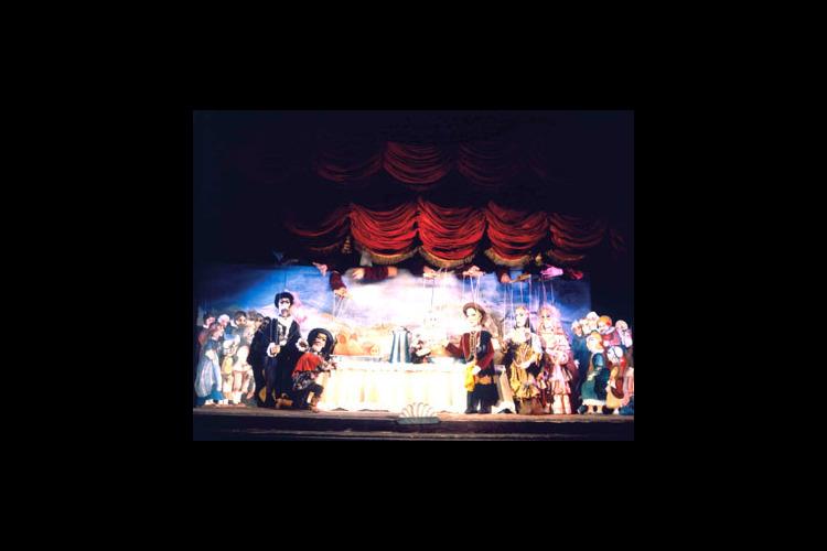 国立マリオネット劇場でマリオネット作成体...の写真