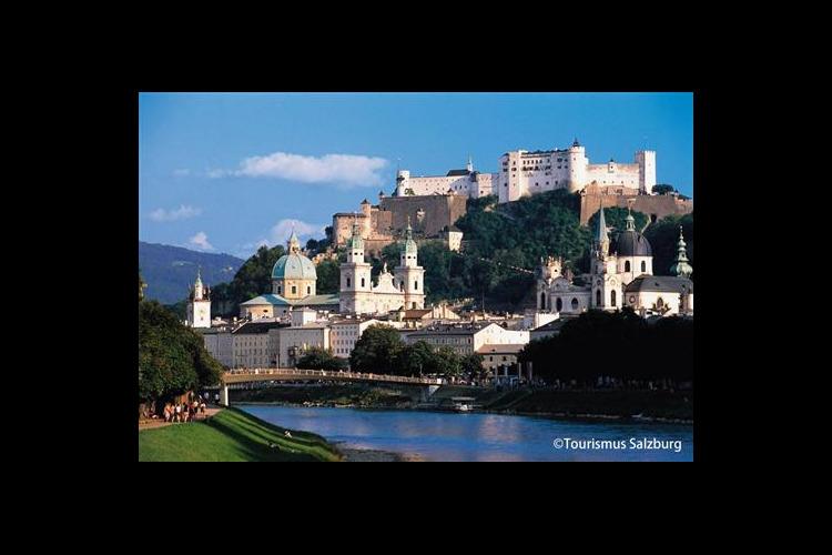 2つの世界遺産ザルツブルクとハルシュタッ...の写真