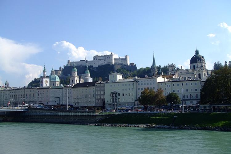 世界遺産ザルツブルクと選べるザルツカンマ...の写真
