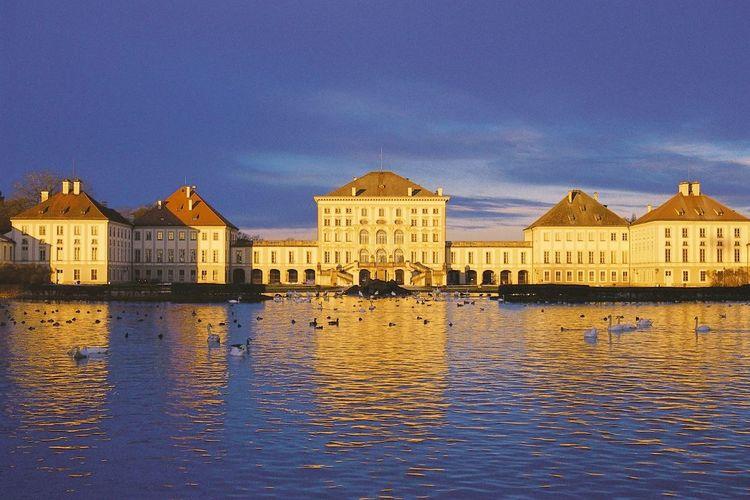 ニンフェンブルク城とミュンヘン 半日観光...の写真