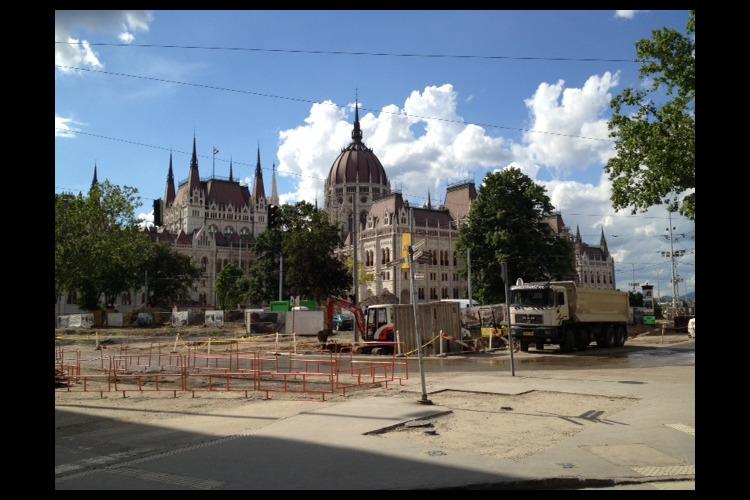 ブダペストのペスト地区 午前散策 Aコー...の写真