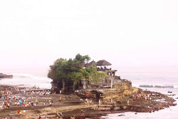 最終日プラン タナロット寺院とショッピン...の写真