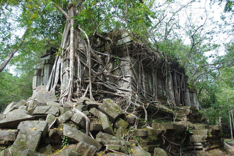 断崖上の世界遺産 プレアヴィヒア寺院 +...の写真