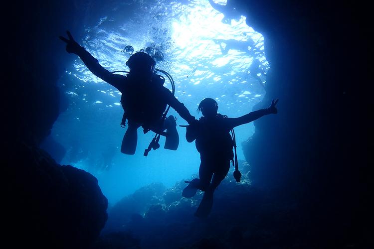 青の洞窟 体験ダイビングの写真