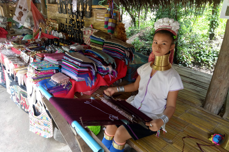 首長族の村訪問半日ツアー (プライベート...の写真