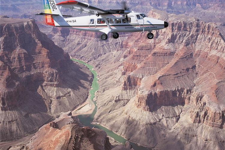 シーニック航空で行く 世界遺産グランドキ...の写真