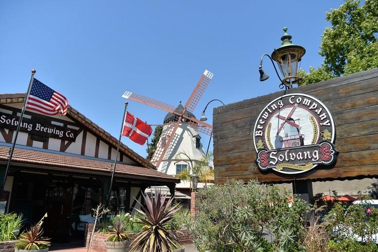 サンタバーバラとソルバングの写真