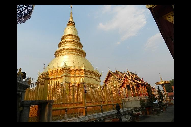 タイ国鉄で行くランプーンの旅 サムロー ...の写真